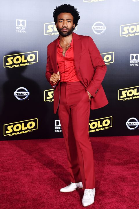 Red carpet, Carpet, Red, Suit, Premiere, Flooring, Formal wear, Event, Outerwear, Pantsuit,
