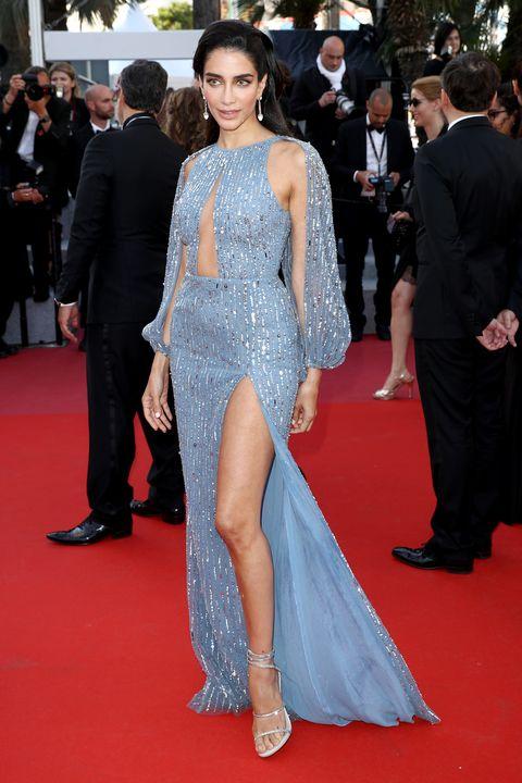 Red carpet, Carpet, Clothing, Fashion model, Dress, Premiere, Flooring, Fashion, Shoulder, Event,
