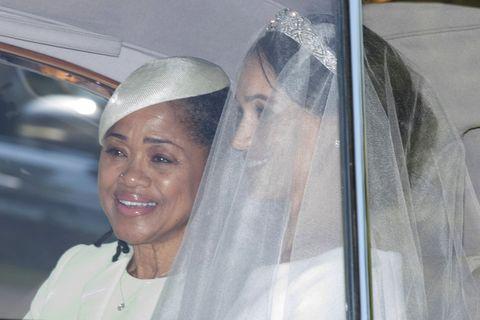 Veil, Bridal veil, Bridal accessory, Bride, Fashion accessory, Headpiece, Wedding dress, Ceremony, Event, Hair accessory,