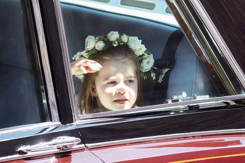 Motor vehicle, Vehicle, Vehicle door, Car, Family car, Automotive exterior, Photography, Auto part, Automotive window part, Smile,