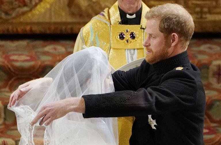 Image result for harry removes meghans veil at wedding