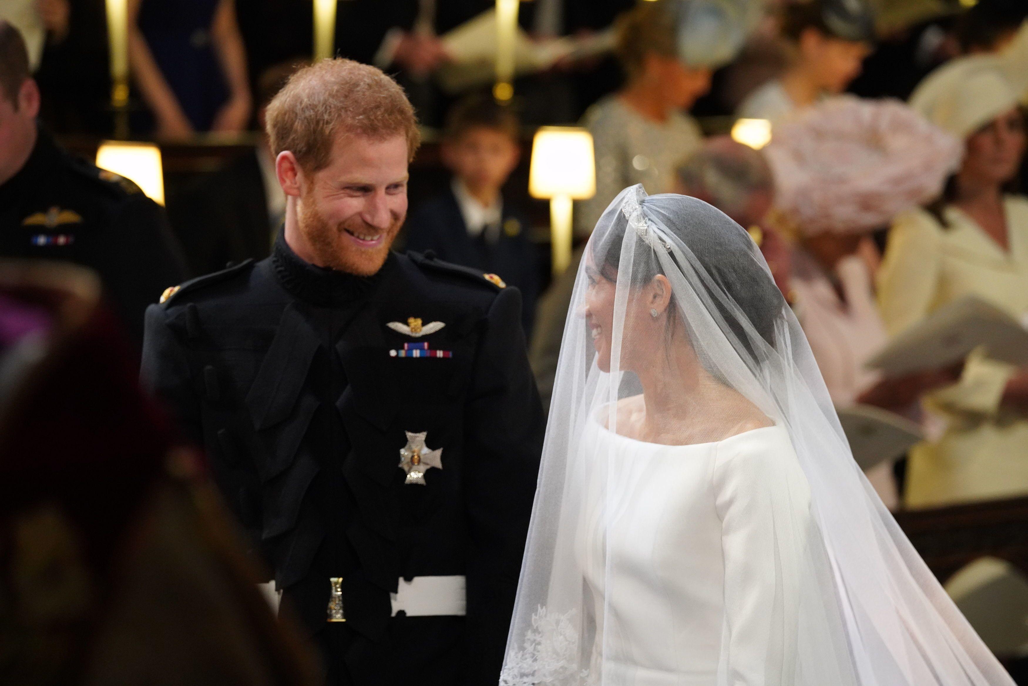 Matrimonio Meghan E Harry : Meghan markle and prince harry pda moments from royal wedding