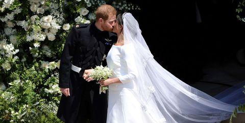Bride, Veil, Wedding dress, White, Marriage, Bridal veil, Bridal accessory, Wedding, Bridal clothing, Ceremony,
