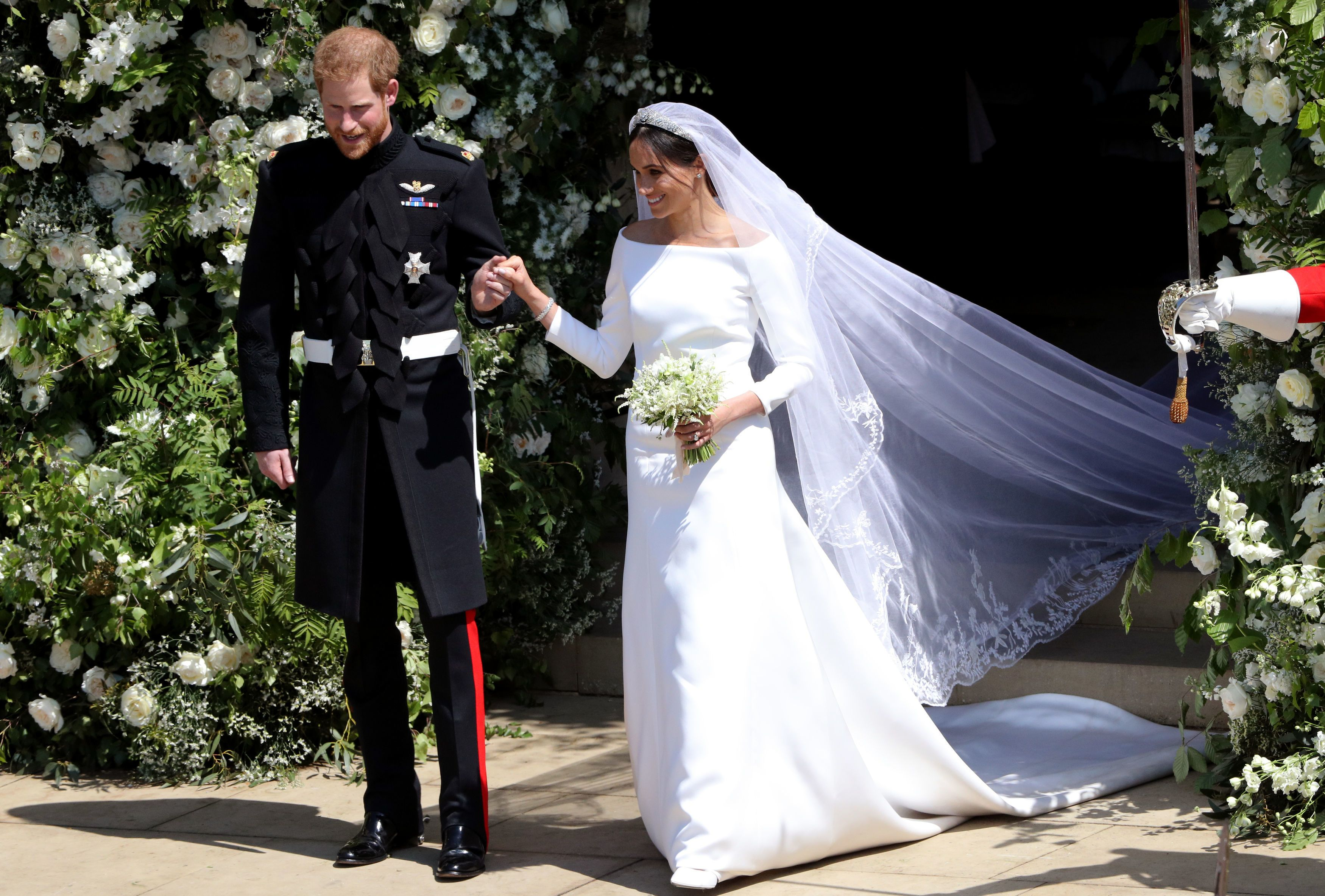 202f3f442a9dc Meghan Markle Wedding Dress Guide to Designer, Bridal Style and Gown ...