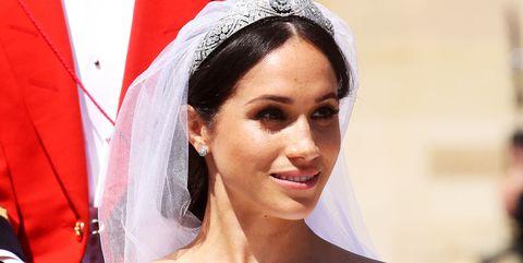 Hair, Veil, Headpiece, Hair accessory, Bride, Skin, Bridal accessory, Bridal veil, Beauty, Tradition,