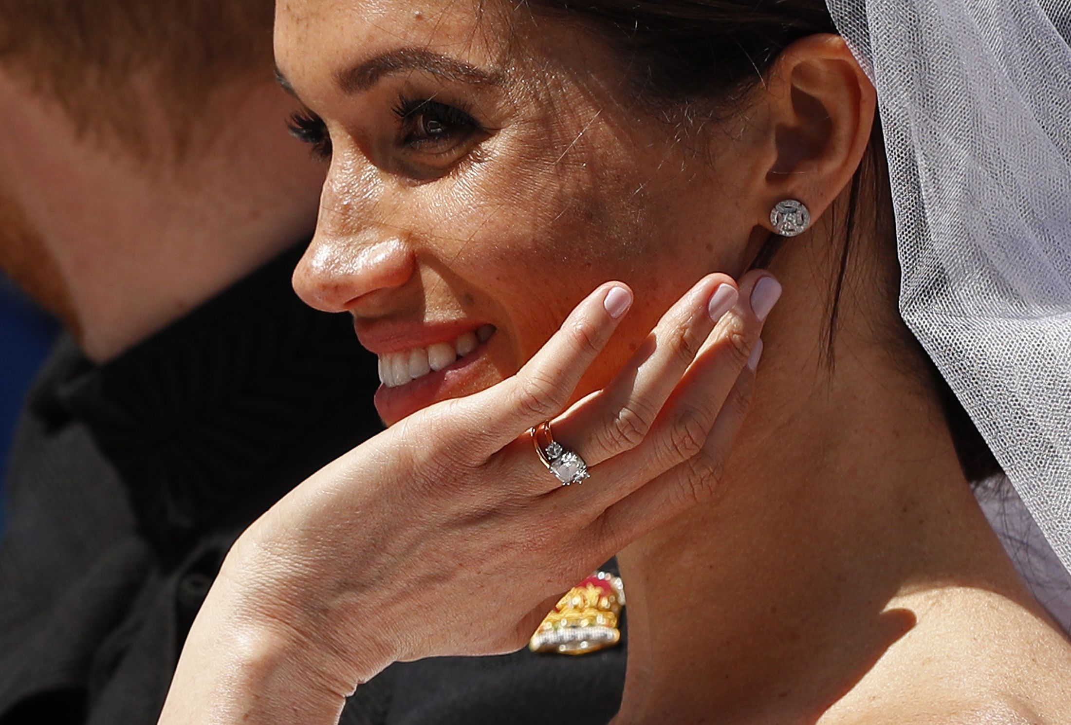 Prince Harry And Meghan Markle Wear Wedding Bands Meghan Markle