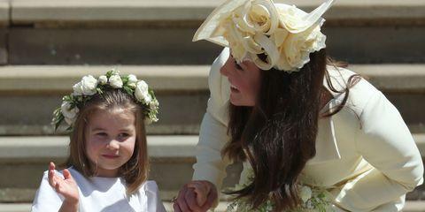 Headpiece, Child, Hair accessory, Headgear, Fashion accessory, Floristry, Floral design, Plant, Flower, Smile,