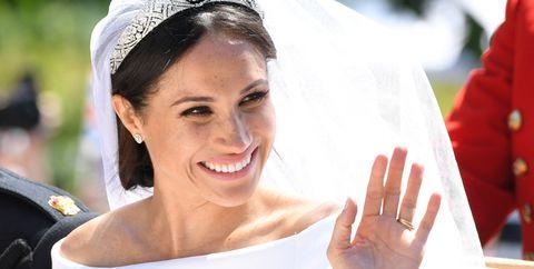Veil, Bride, Beauty, Skin, Headpiece, Smile, Gesture, Tradition, Headgear, Bridal accessory,