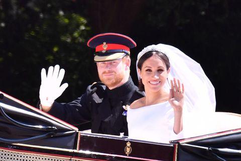 Bride, Wedding, Photography, Headgear, Event, Vehicle, Ceremony, Dress, Gesture, Headpiece,