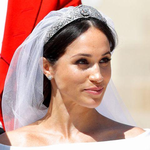 14771bc29 Así es cómo reaccionó Meghan Markle al ver su vestido de novia ...