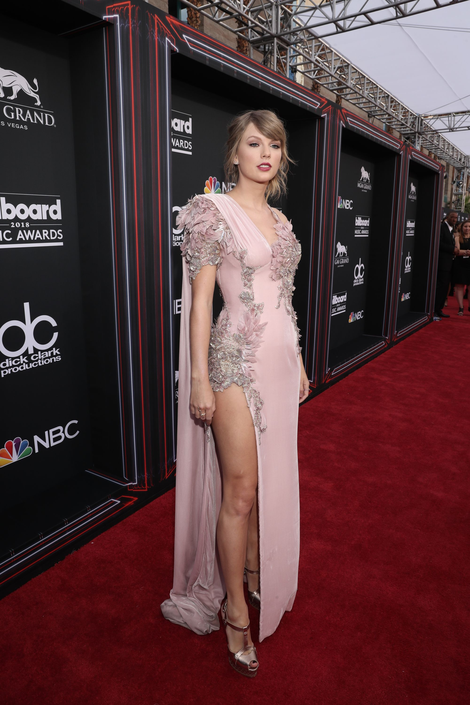 taylor swift best outfits style file
