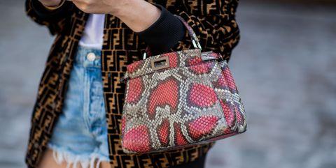 Bag, Street fashion, Handbag, Shoulder, Pink, Plaid, Fashion, Joint, Brown, Waist,