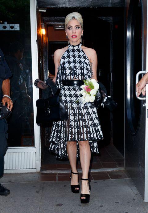79bb80d95 Lady Gaga se planta 15 looks en 7 días - La locura estilística de ...