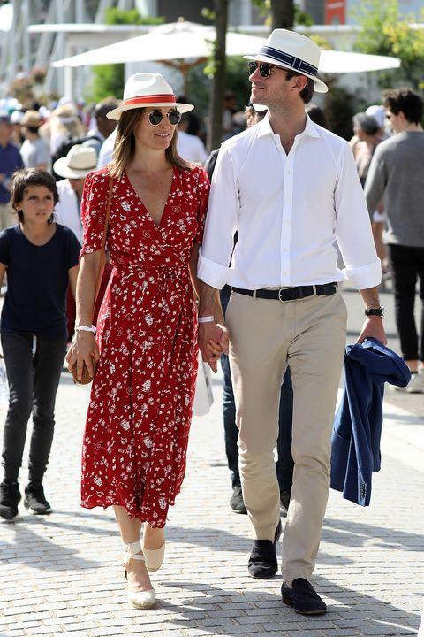 White, People, Street fashion, Clothing, Fashion, Sunglasses, Walking, Hat, Eyewear, Fedora,