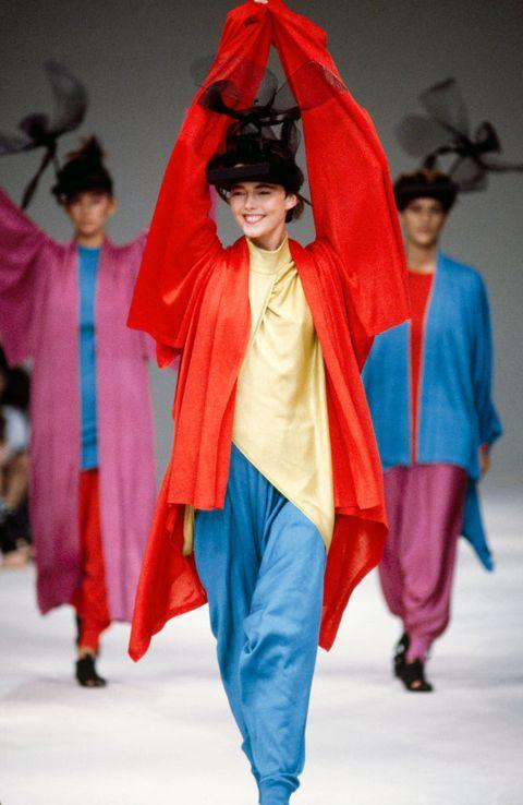 Fashion, Clothing, Outerwear, Fashion show, Fashion design, Fun, Costume, Runway, Event, Haute couture,