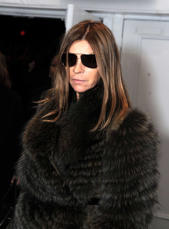 Eyewear Carine Style Indoors Wear Sunglasses Roitfeld To How SqzpVUM