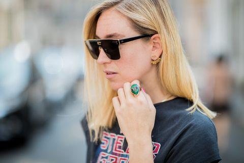Eyewear, Hair, Sunglasses, Street fashion, Blond, Glasses, Lip, Cool, Beauty, Hairstyle,