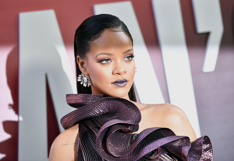 Rihanna incontri Drake di nuovo incontri dopo una relazione abusiva