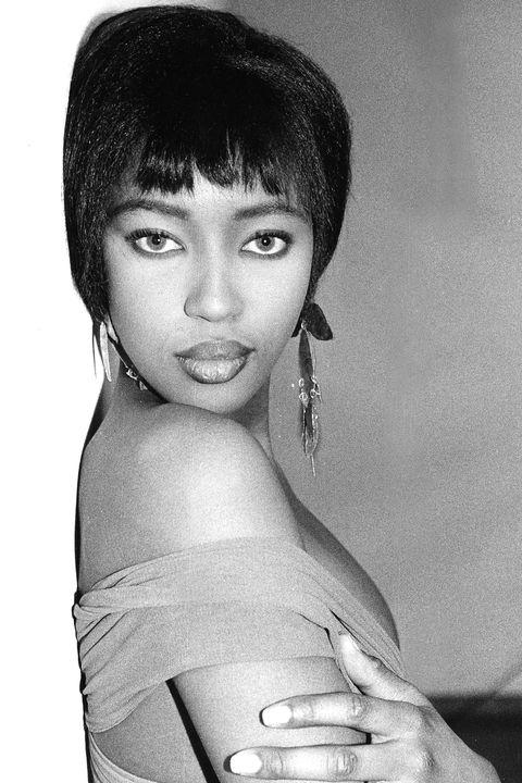 Hair, Face, Hairstyle, Eyebrow, Lip, Beauty, Black hair, Forehead, Black-and-white, Photo shoot,