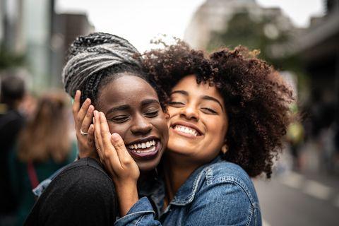 knuffelen-oxytocine-positieve-effecten