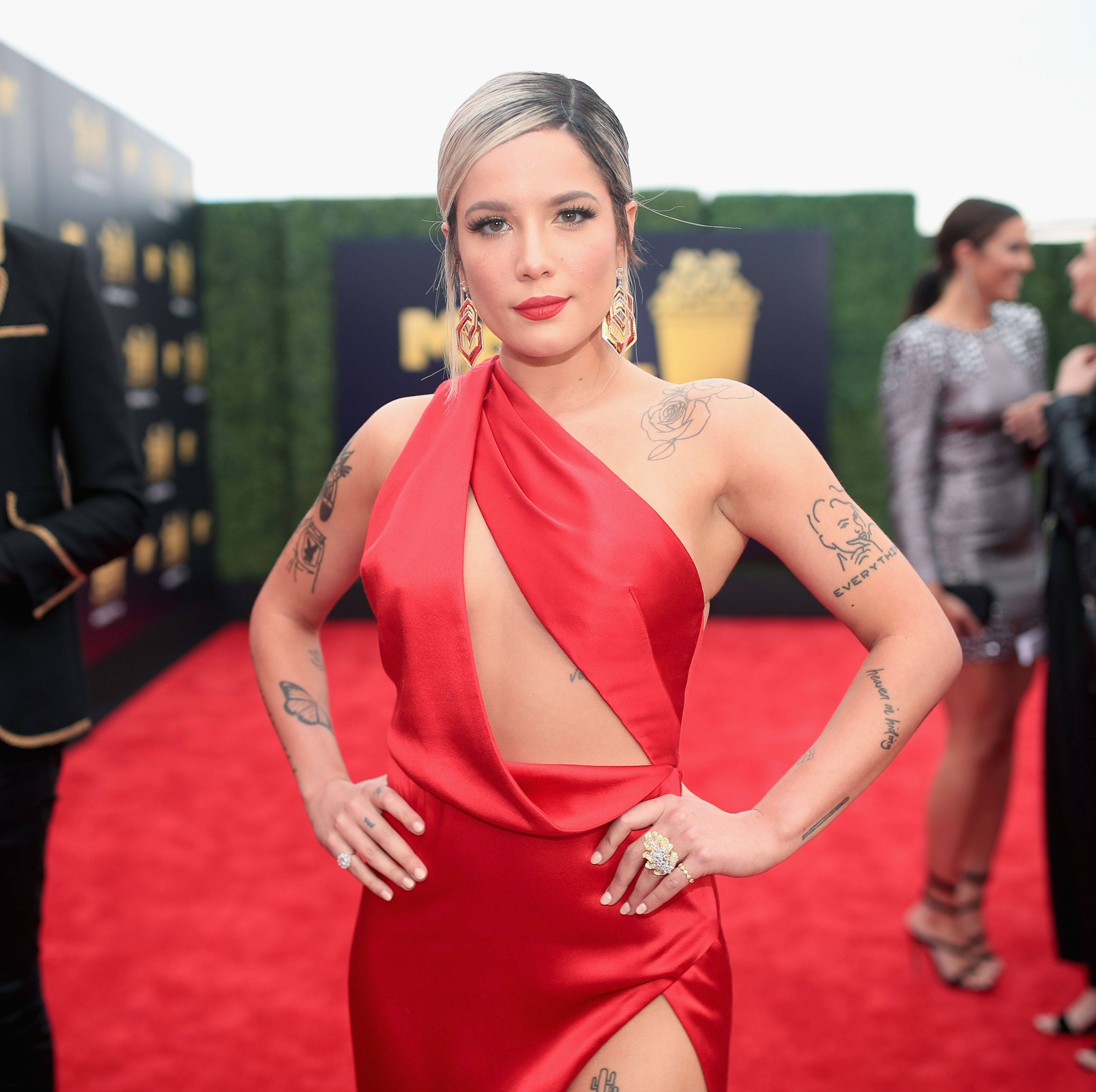 Everyone Thinks Halsey's Pregnant and She Just Issued a Response....