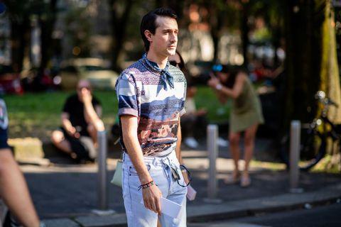 Street fashion, Fashion, Yellow, Snapshot, T-shirt, Jeans, Design, Street, Textile, Shirt,