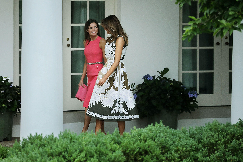 0029d9beb45b Letizia y el vestido que Melania Trump llevó antes que ella ...