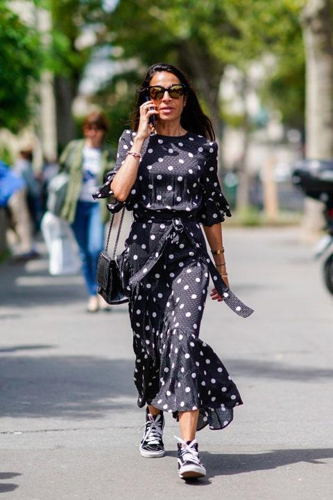 Street fashion, Clothing, Fashion, Polka dot, Pattern, Black-and-white, Shoulder, Snapshot, Fashion model, Sunglasses,