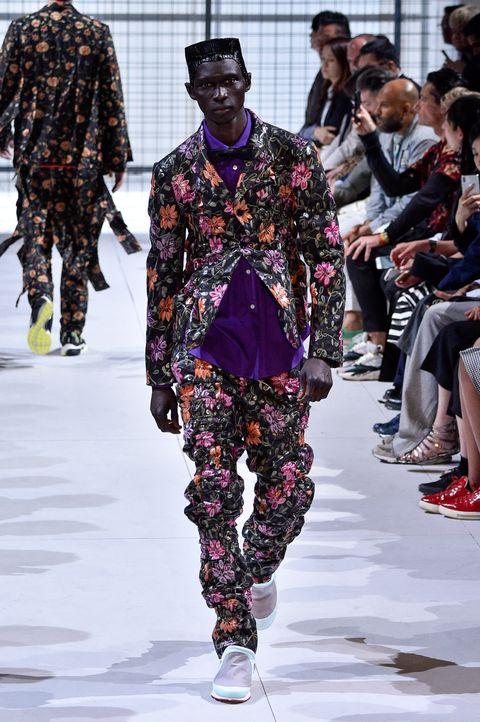 Fashion, Runway, Fashion model, Fashion show, Clothing, Street fashion, Spring, Haute couture, Event, Fashion design,