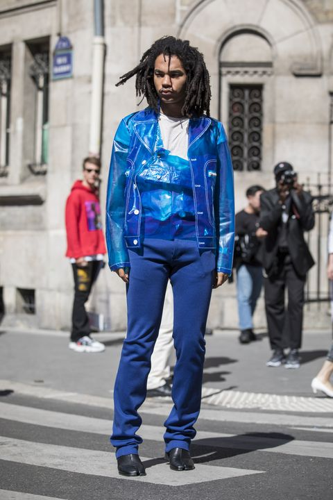 Blue, Street fashion, Cobalt blue, Clothing, Fashion, Electric blue, Jacket, Jeans, Denim, Snapshot,