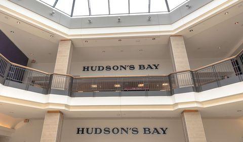 885cf6b3922283 Hudson's Bay sluit mogelijk zijn winkels in Nederland