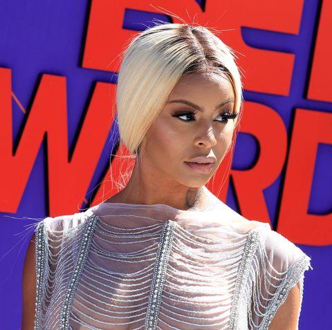 Hair, Blond, Hairstyle, Beauty, Electric blue, Fashion, Lip, Eyelash, Television presenter, Croydon facelift,