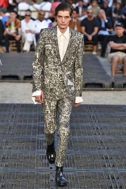 Fashion, Runway, Street fashion, Suit, Clothing, Fashion show, Fashion model, Human, Outerwear, Spring,