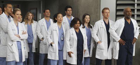White coat, Uniform, Physician, Service, Team, Medical assistant, Event, Job, Medicine, Health care provider,