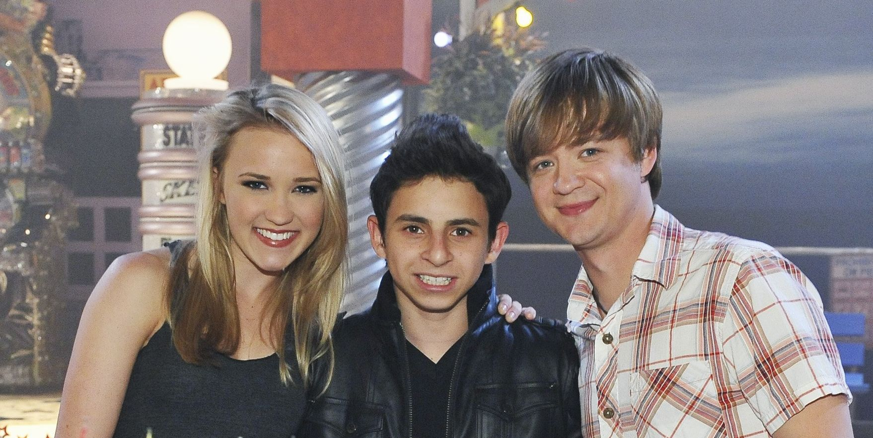 Emily Osment, Moises Arias, Jason Earles