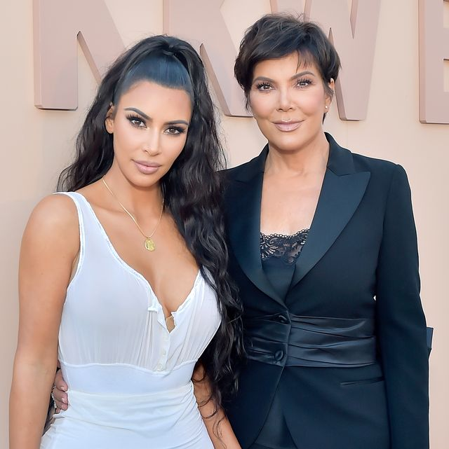 Kris Jenner Got Bangs And Now She S Kim S Twin Kris Jenner New Hairstyle 2019