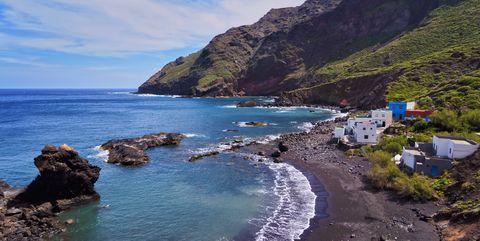 Body of water, Coast, Sea, Coastal and oceanic landforms, Beach, Promontory, Sky, Headland, Shore, Ocean,