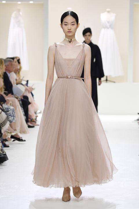 Fashion model, Clothing, Fashion, Dress, Fashion show, Gown, Shoulder, Haute couture, Runway, Wedding dress,