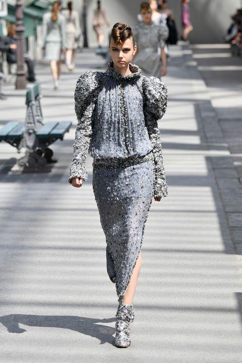 Fashion, Fashion model, Street fashion, Clothing, Runway, Fashion show, Haute couture, Sunglasses, Human, Eyewear,