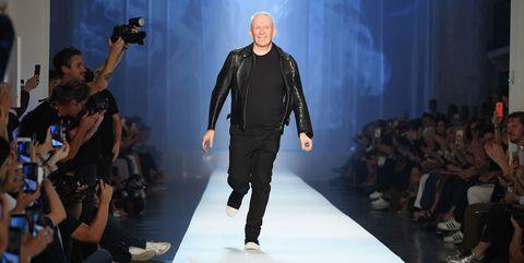 Fashion show, Runway, Fashion model, Fashion, Fashion design, Event, Public event, Performance, Leather, Model,