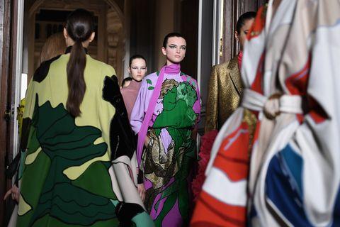 Green, Fashion, Costume, Dress, Fashion design, Formal wear, Event, Room, Haute couture, Kimono,