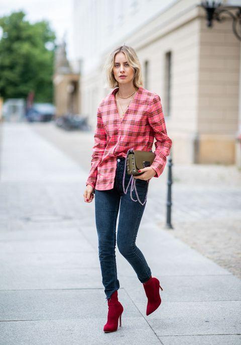 Plaid, Clothing, Jeans, Street fashion, Tartan, Red, Fashion, Pattern, Shoulder, Footwear,