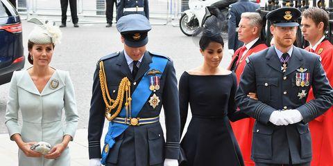 Uniform, Academic dress, Fashion, Event, Street fashion, Military uniform, Official, Pedestrian,