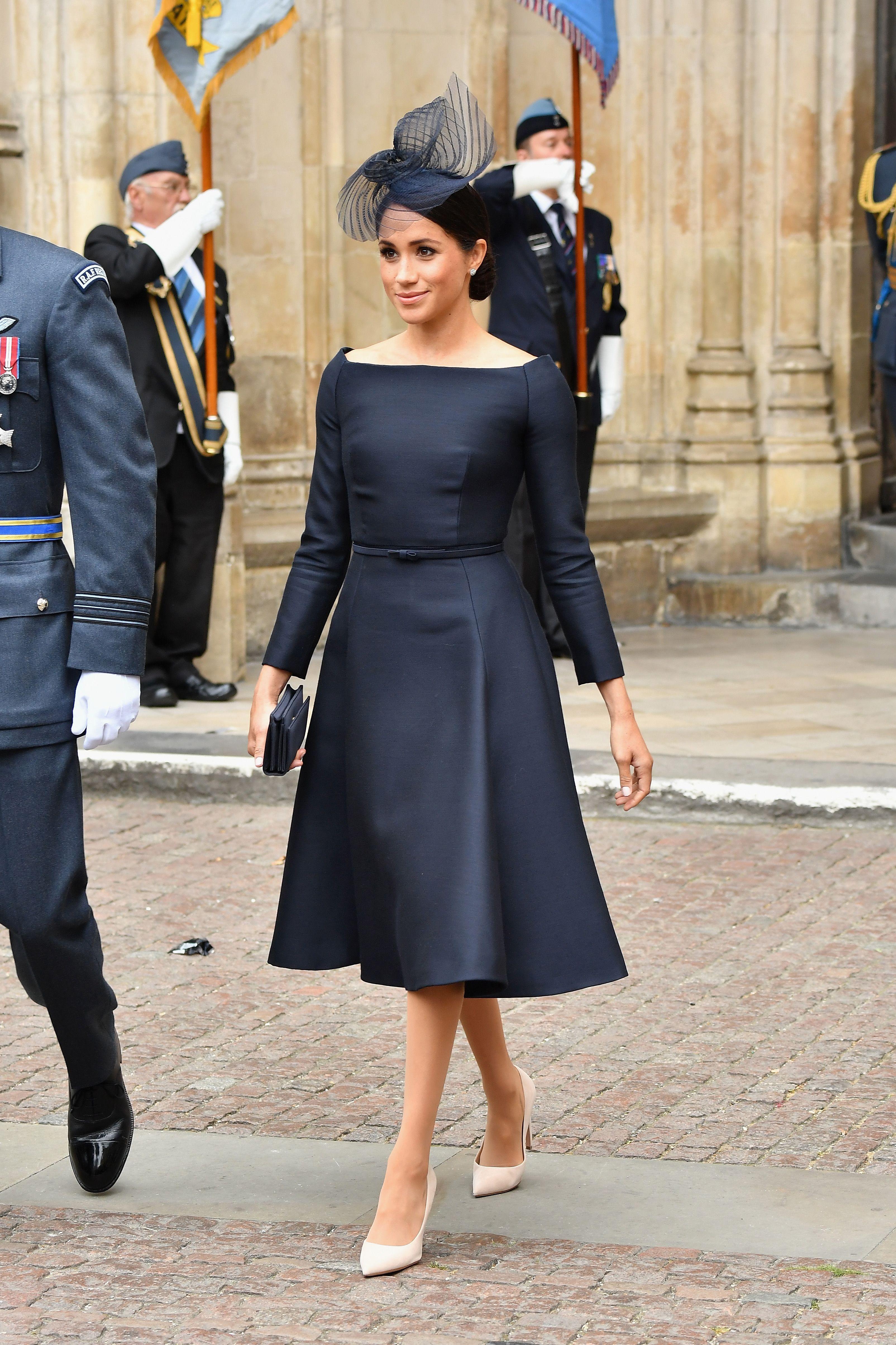 Color tocado para vestido azul