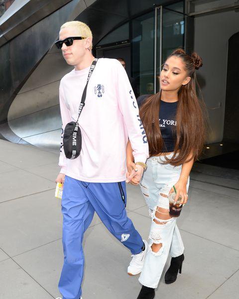 White, Clothing, Street fashion, Fashion, Jeans, Snapshot, Footwear, Hairstyle, Eyewear, Leg,