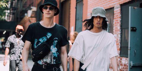 Street fashion, Eyewear, People, Fashion, Sunglasses, Cool, Shoulder, T-shirt, Snapshot, Street,