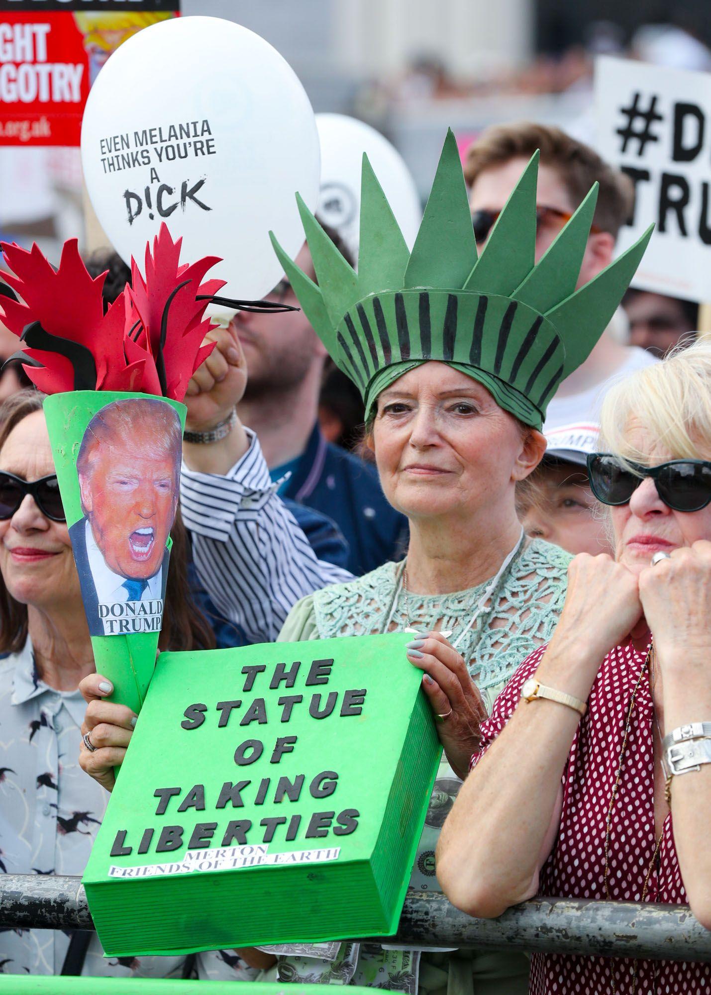 londoners protest Trumps UK visit