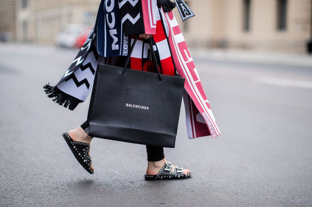 Designer Clothes Sales: 8 Tips For Building An Enviable Designer Wardrobe Like A Fashion Industry Pro
