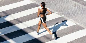 mujer, running, pantalón corto