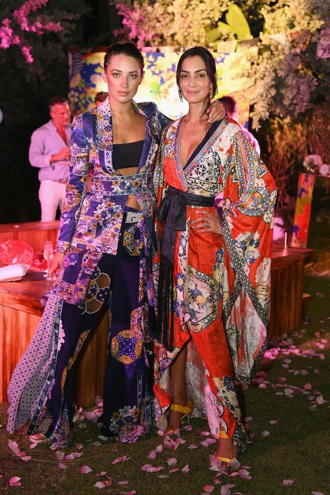 Kimono, Fashion, Pink, Costume, Event, Fashion design, Formal wear, Textile, Ceremony, Tradition,